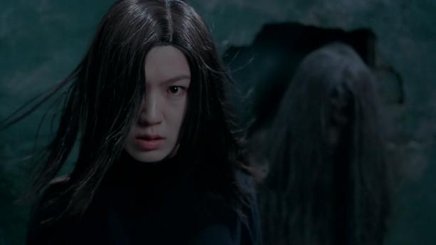 香港经典恐怖片《枕边凶灵》女子被砌在墙里,死后变成鬼复仇