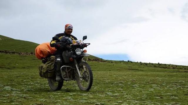 荷兰小伙骑摩托上喜马拉雅