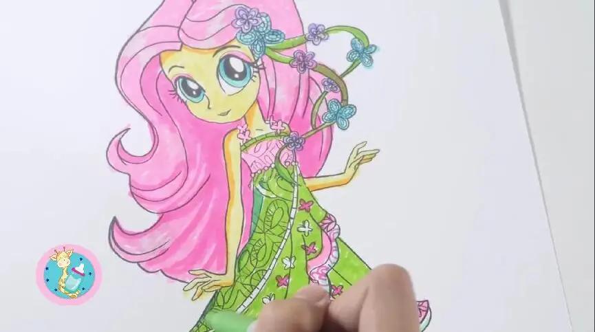小马宝莉变成两条腿的美丽公主 是魔法还是化妆呢?