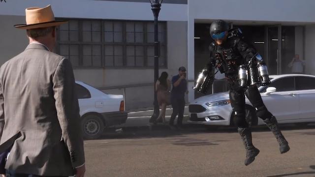 钢铁侠喷气式西装,用它上街真的没问题吗?路人都惊了