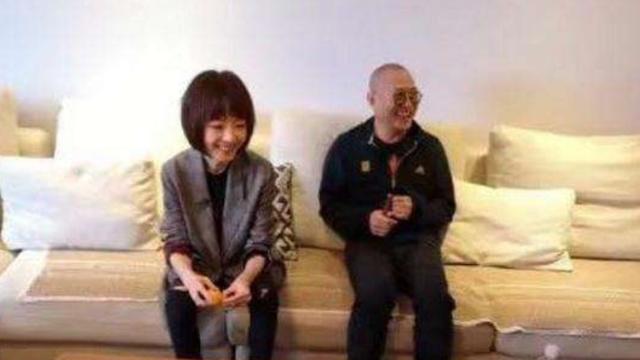 55岁李连杰,弱不禁风似老伯?吃得比鲁豫还要少!