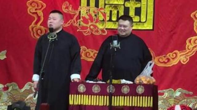 岳云鹏现场清唱《我们不一样》,吐槽自己的嗓音不好听