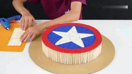 有人用纸板和火柴做的美国队长盾牌,虽然花了不少时间,但是成品看着炫酷又漂亮!