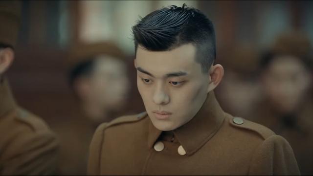 烈火军校:谢襄被诬陷入狱,李文忠为救她,不惜牺牲自己