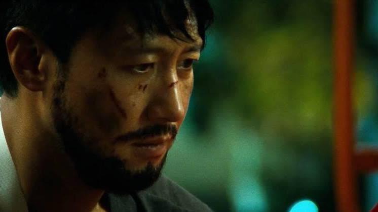 虽然王宝强在这部电影里是最悲惨的,但他家人结局是最好的